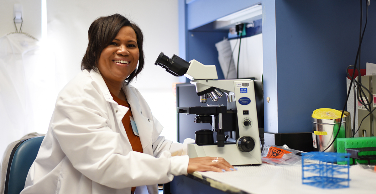 Lynnette Walters in lab