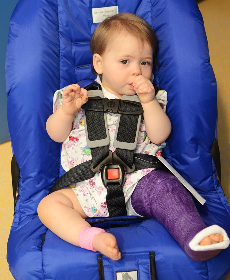 Texas Scottish Rite Hospital for Children occupational therapy patient in leg cast