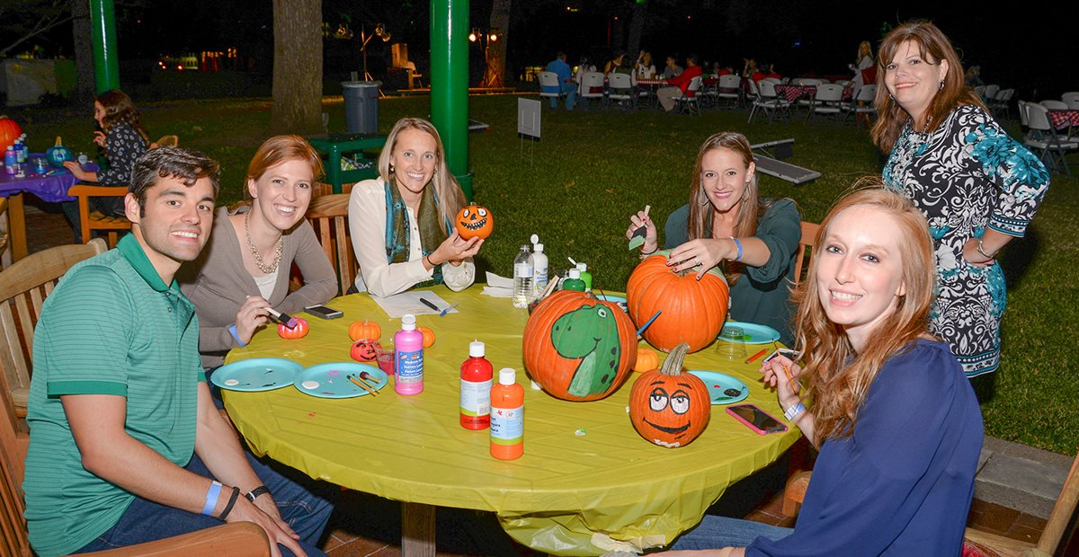 Pumpkin painting at Trunk or Treat event