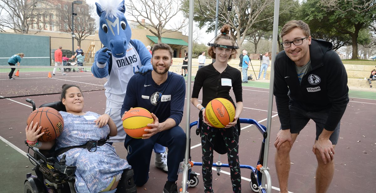 Mavericks players visit patients at Scottish Rite Hospital
