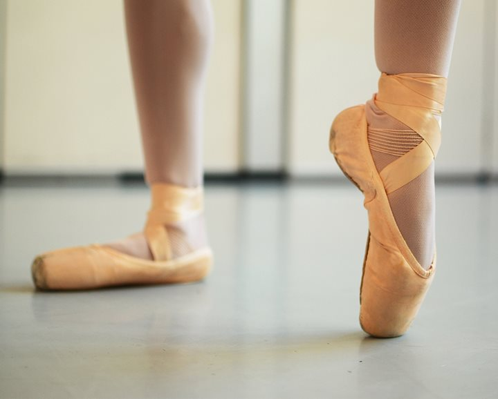 Dancer recovering from ankle injury after receiving treatment from Texas Scottish Rite Hospital for Children
